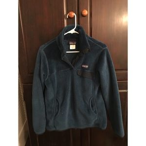 Patagonia navy Re-tool Snap-T pullover